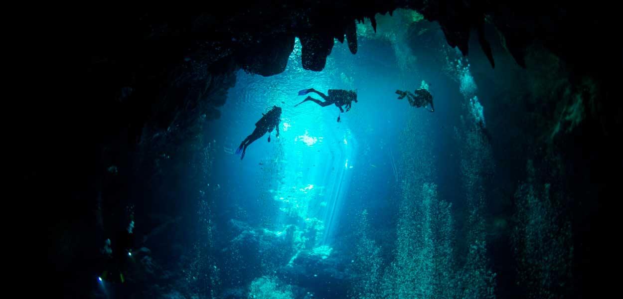 22-cenote-diving.jpg