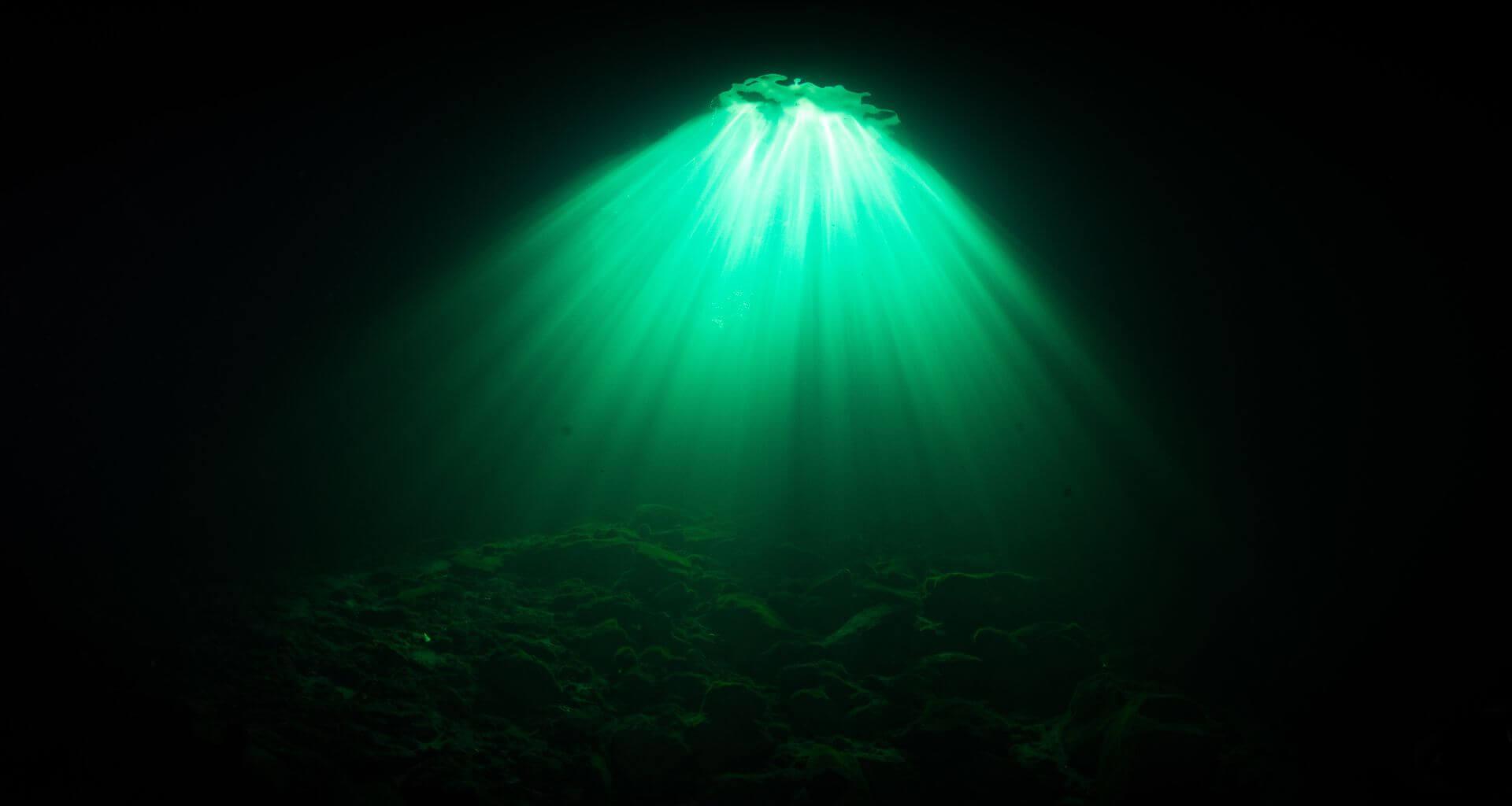 Magical Light Show - Cenote Divig